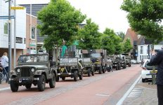 Veel bekijks voor oorlogsvoertuigen